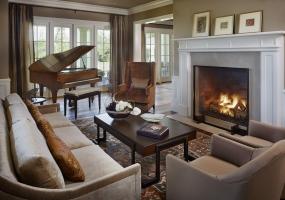 10.Los-Altos-interior-design-company-great-room-design-piano-portoflio