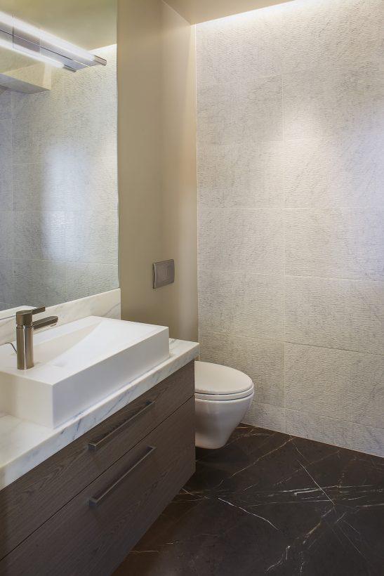 Lake Tahoe interior half powder bathroom Design